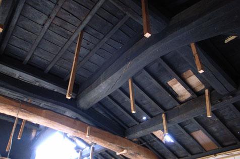 茅葺き民家の小屋組
