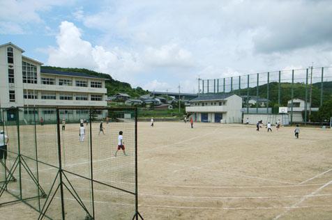 淡河中学校にてソフトボール大会