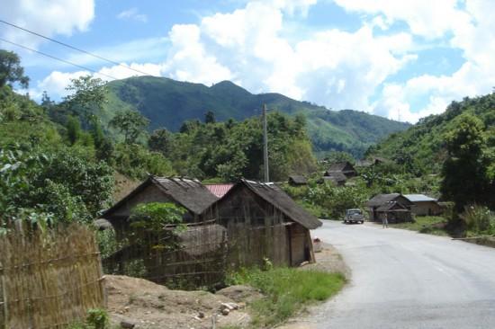 ラオスの集落風景