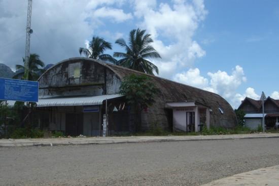 ラオスの安価な素材で作られた小屋