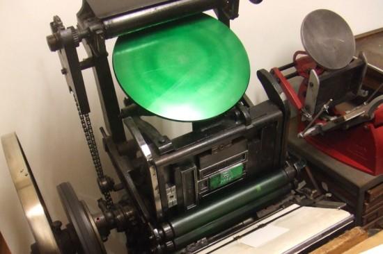 半自動式活版印刷機