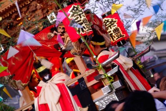 歳田祭りの太鼓屋台