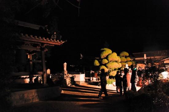 永春寺で除夜の鐘を撞く