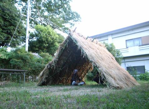 淡河そら祭り 茅葺きの受付小屋
